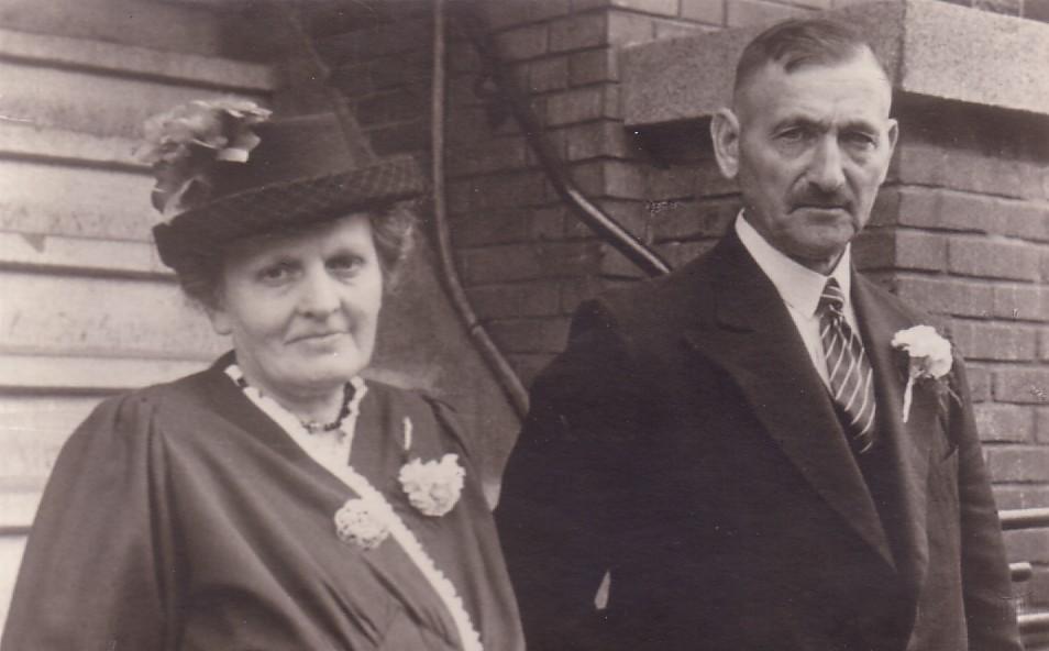 Arie Hoogenraad (1890-1973) en Adriana Mostert (1892-1973)