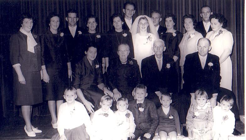 Familiefoto Huwelijk Joost Herbert en Johanna van Nieuwkerk in 1962