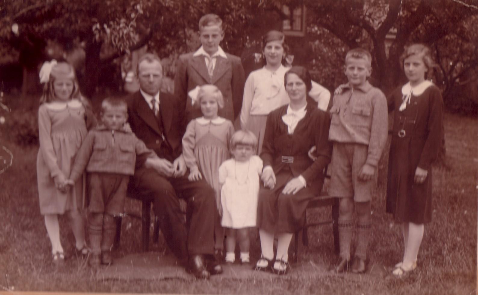Fam Marinus C.Keijzer en Jozina J. Romeijn in 1946