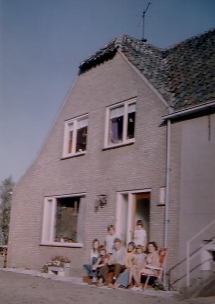 Boerderij Burgerdijkseweg - De Lier met gezin Christiaan Keijzer (1926-2009)