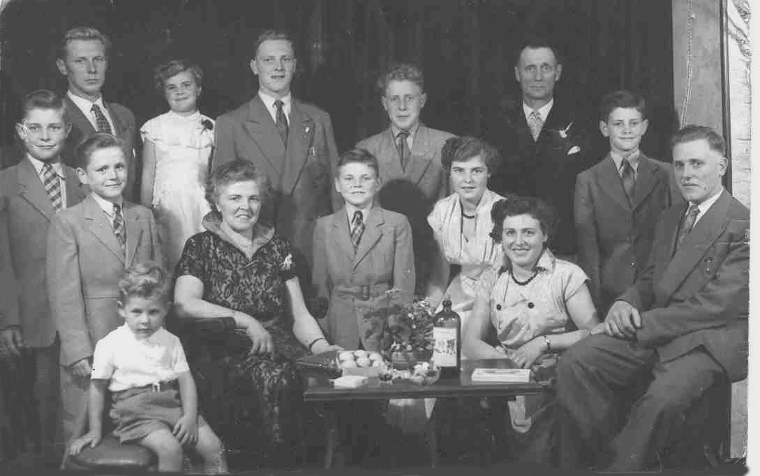Gezin IJsbrand Boekestijn - Jaapje  Dekker 1954