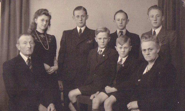 Gezin Willem Boekestijn-Kaatje de Vos 1946