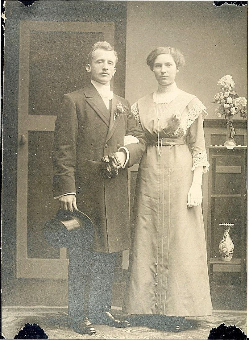 Huwelijk Pieter W.van Oosten en Jorina 't Hart (1913)